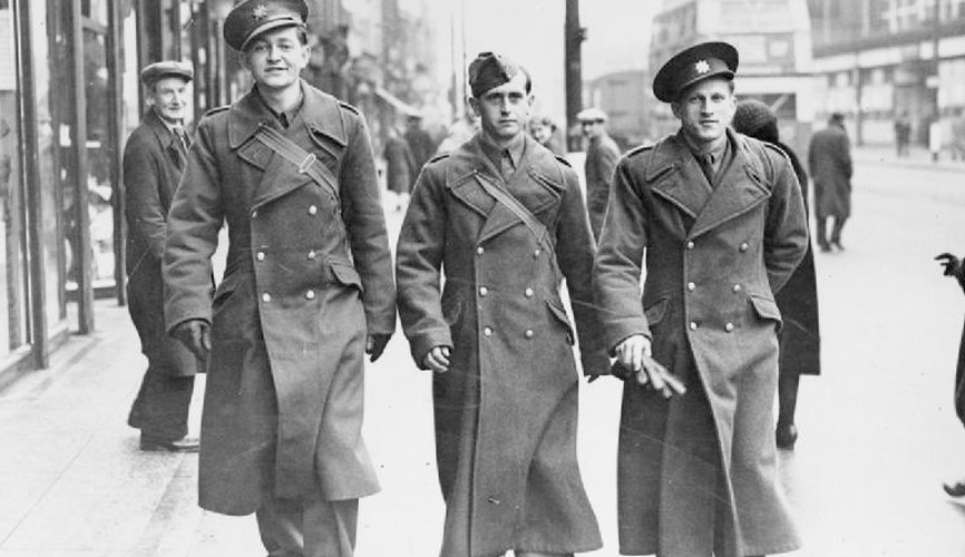 history of the trench coat military necessity to fashion accessory