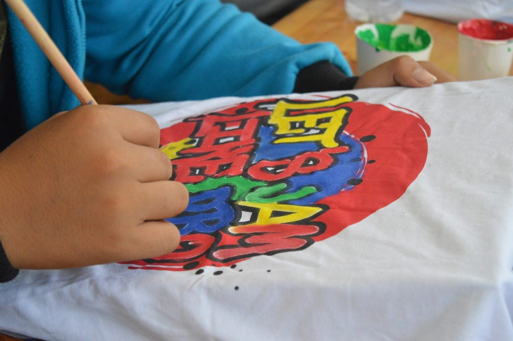 paint logo on fabric