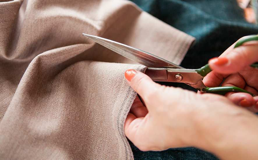 how to cut fabric on the bias